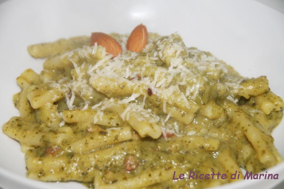 Cortecce al pesto di zucchine e mandorle tostate
