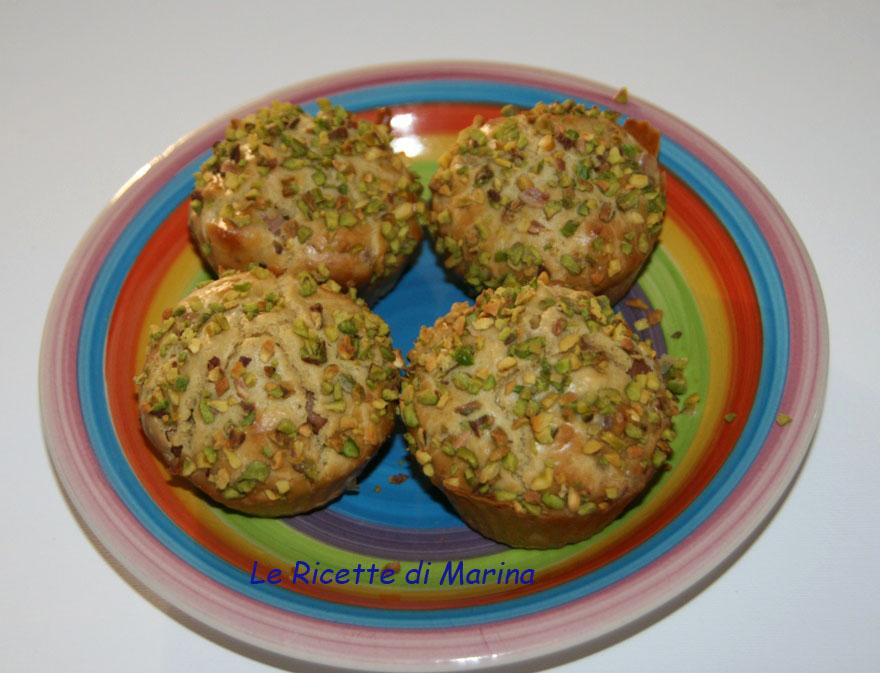 Muffin salati con farina di ceci e pistacchi