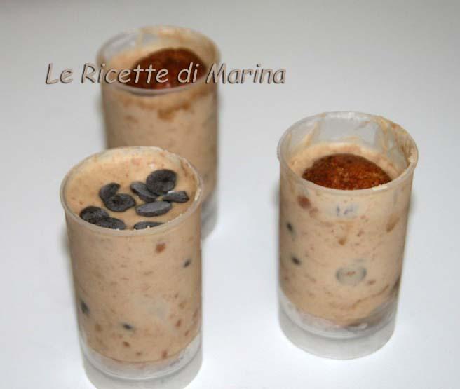 Bicchierini di mascarpone, cioccolato e caffè