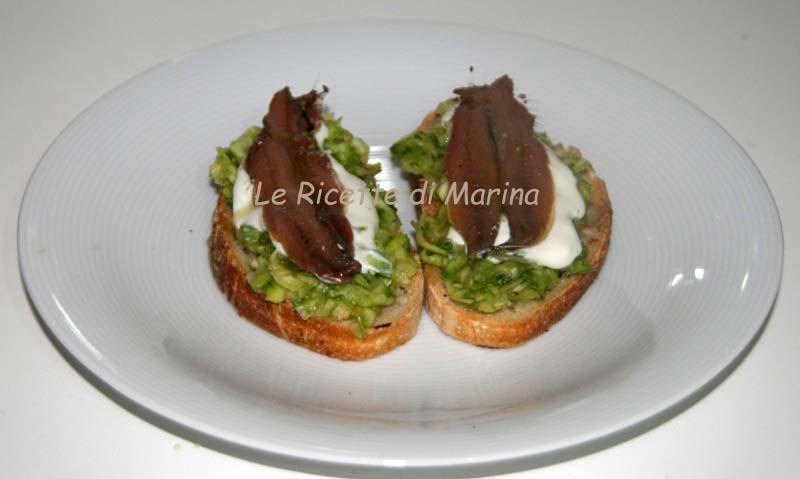 Bruschette con zucchine e mousse di caprino