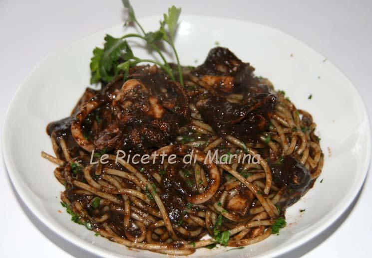 Spaghetti con il nero di seppia