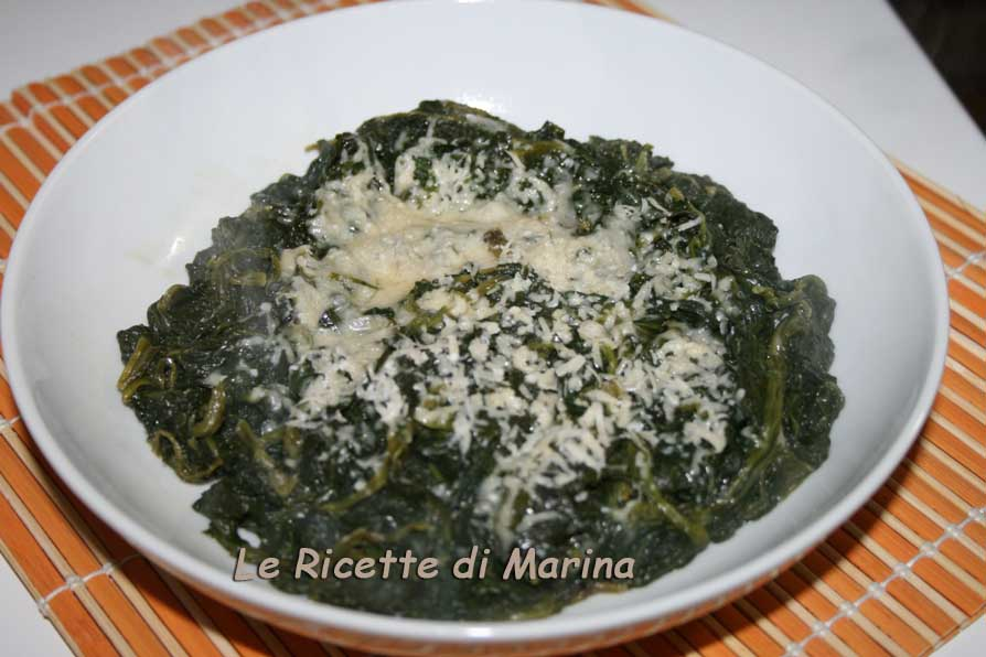 Spinaci al burro e parmigiano