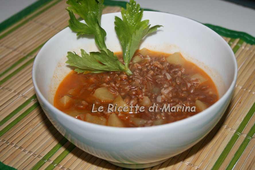Zuppa di farro, patate e porro