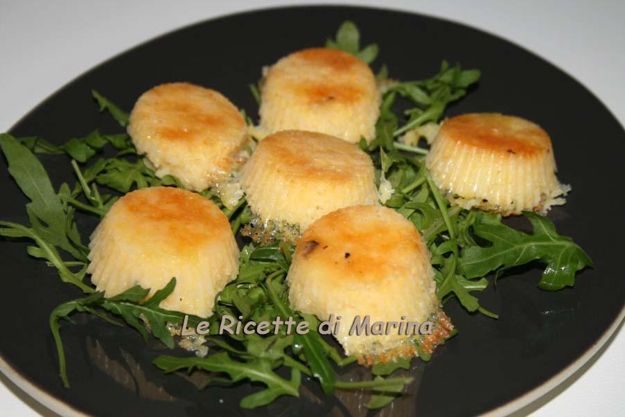 Sformatini di polenta al formaggio