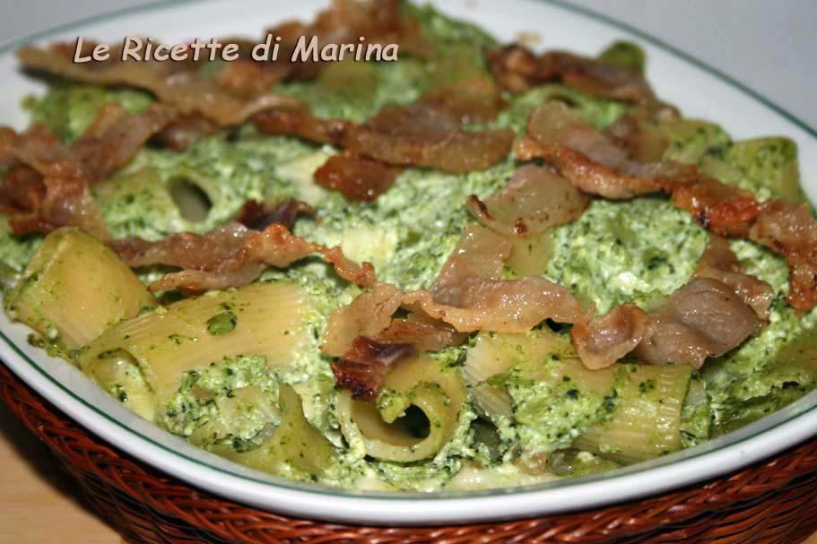 Rigatoni al forno con broccoli ricotta e guanciale