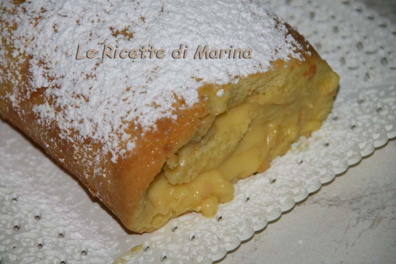 Rotolo di pan di spagna con crema a limone