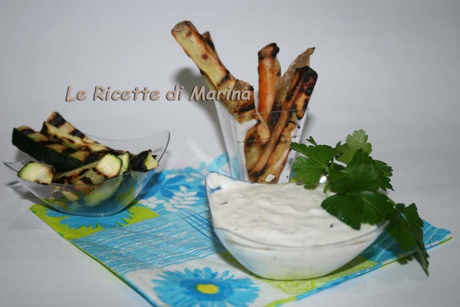 Salsa allo yogurt con verdure grigliate