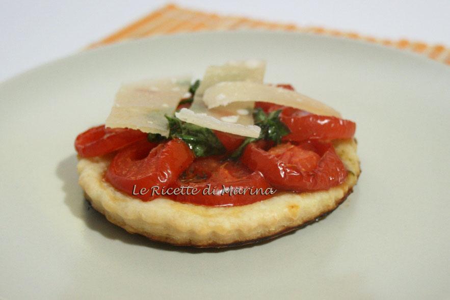 Frolla salata con pomodori aromatizzati