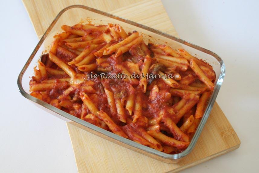 Pasta alla siciliana (pasta al forno con le melanzane)