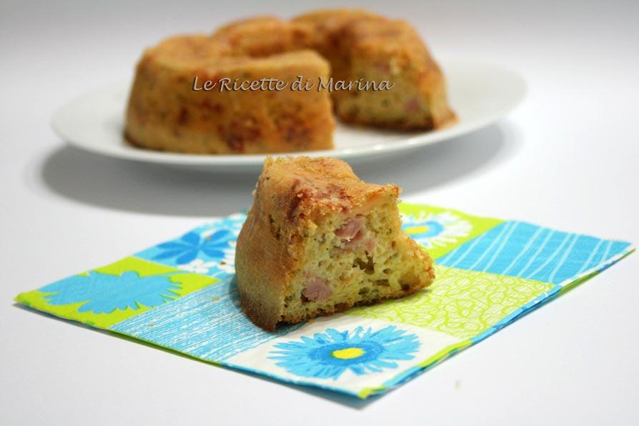 Cake salato con zucchine formaggio e cotto