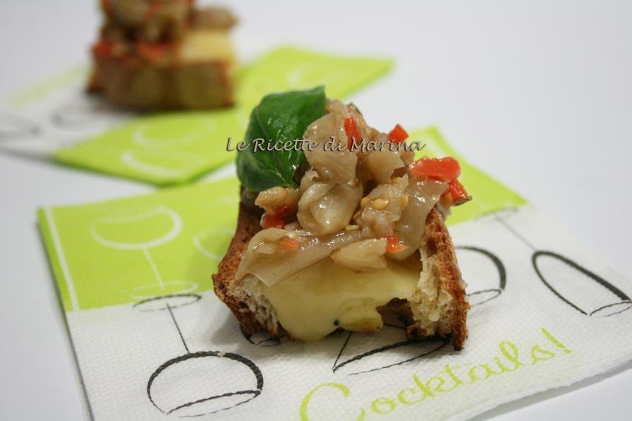 Bruschette melanzane e fontina