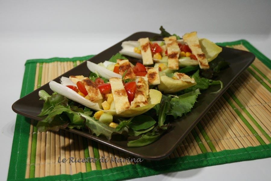 Barchette di indivia con insalata e frittata