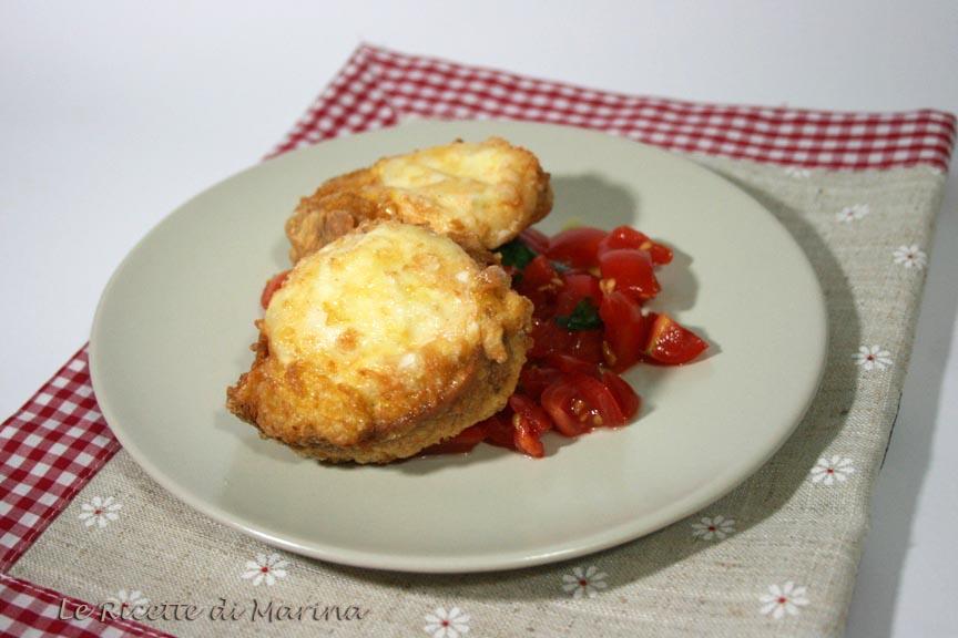Mozzarella in carrozza alla napoletana con concassè di pomodori