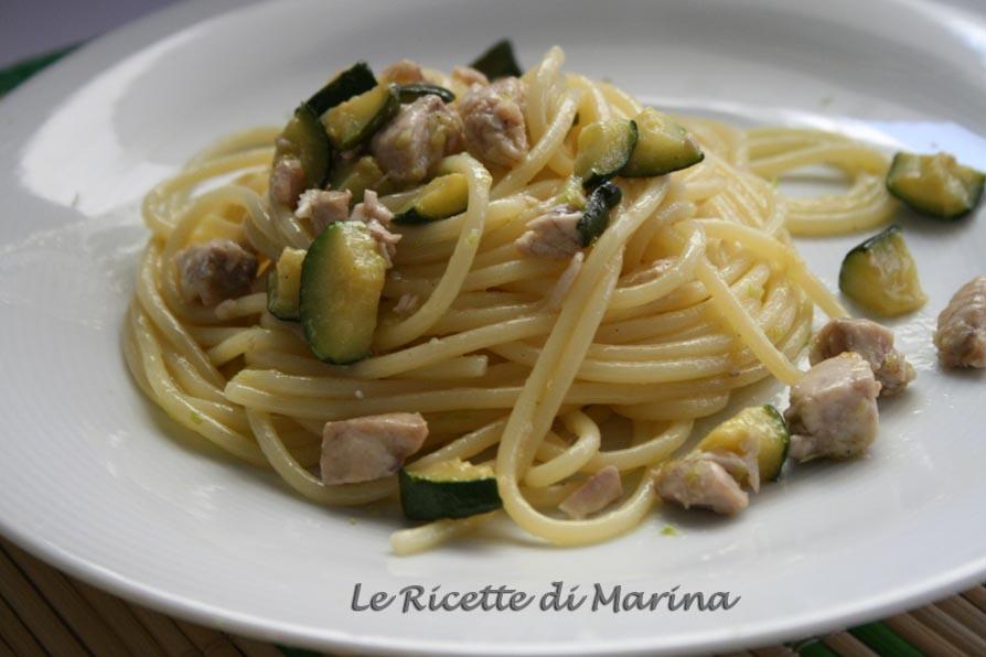 Spaghetti con ricciola e zucchine al limone