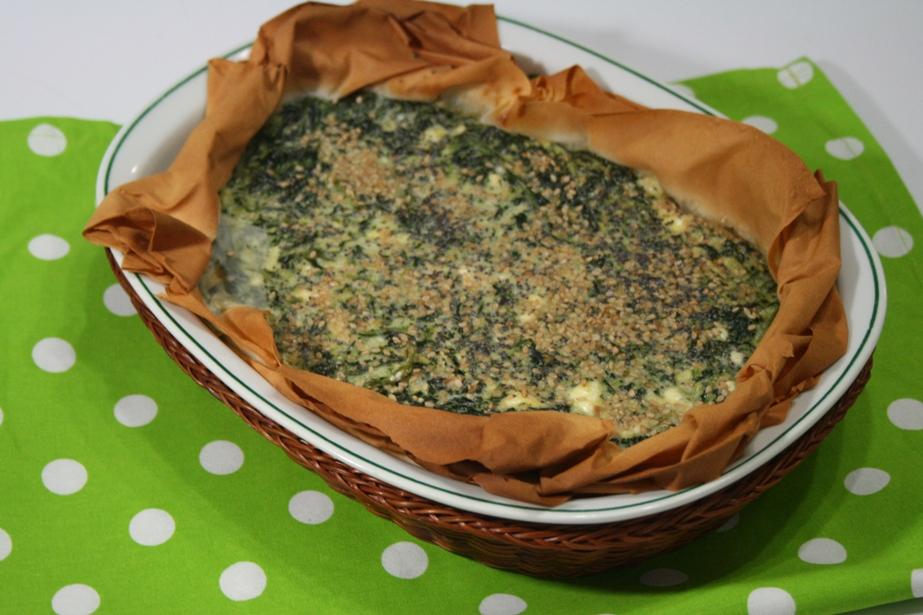 Pizza rustica di pasta fillo con spinaci e feta