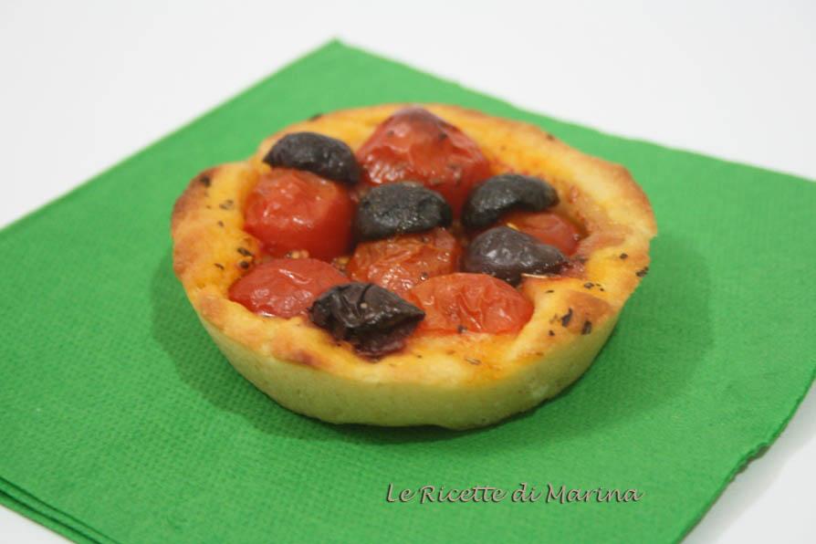 pizzette con pomodoro e olive