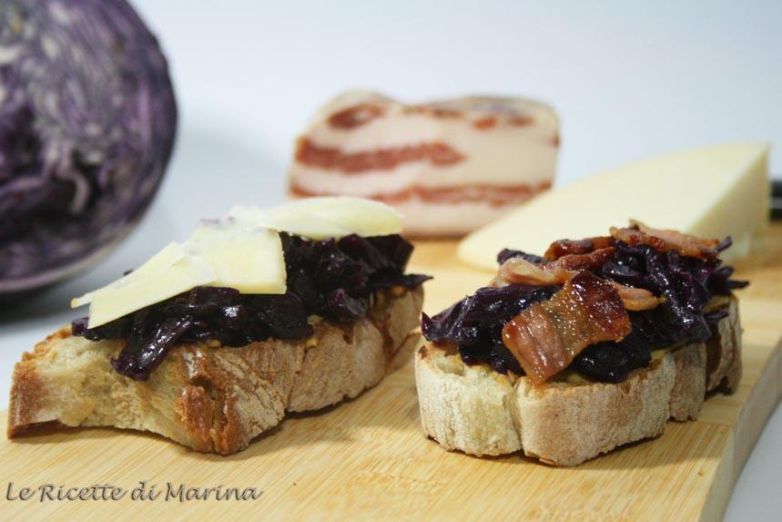 Bruschette con crauti viola