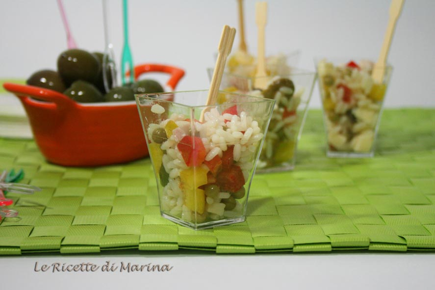 Insalata di riso colorata, in bicchierini finger food