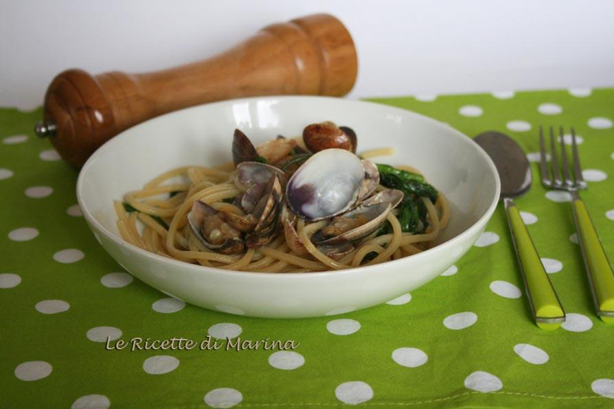 Pasta con frutti di mare e broccoli