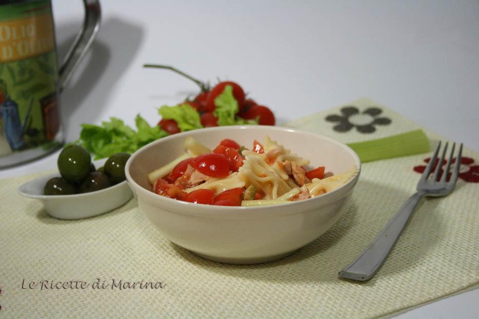 Insalata di pasta con tonno e pomodoro