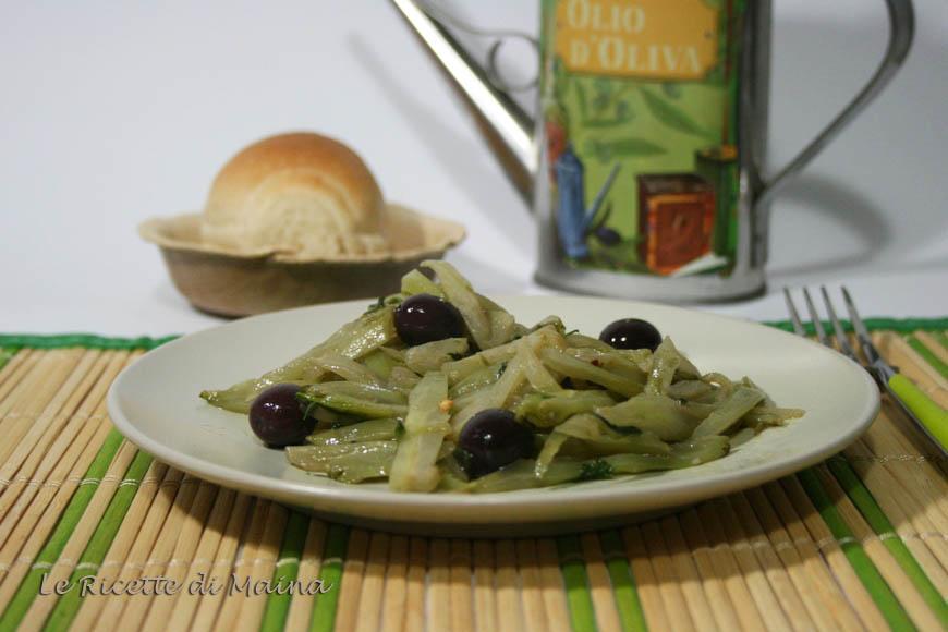 Puntarelle in padella con olive e acciughe