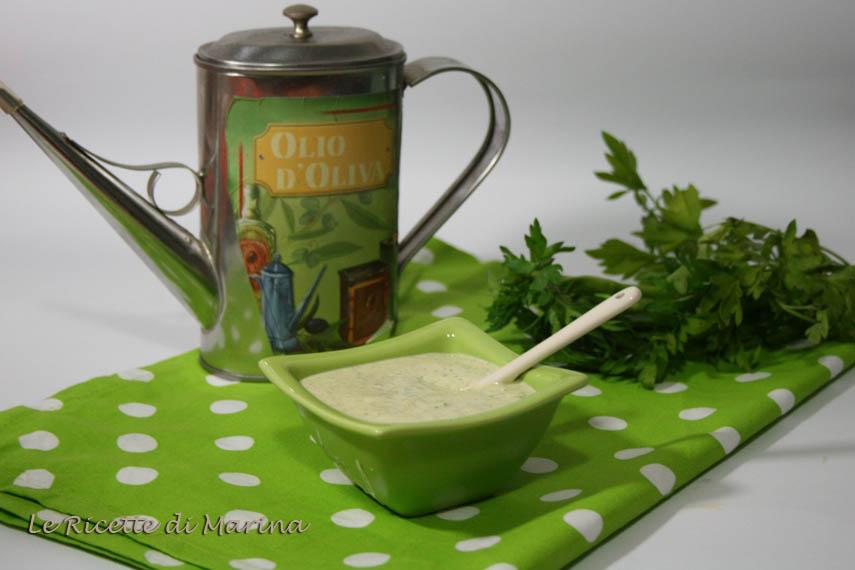 Salsa verde allo yogurt greco
