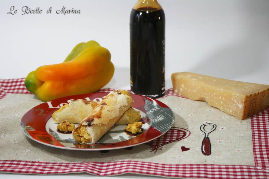 Cannoli di parmigiano con spuma di peperoni