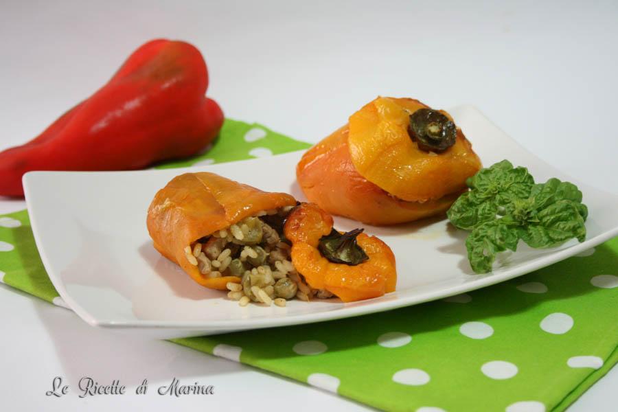 Peperoni ripieni di riso e piselli