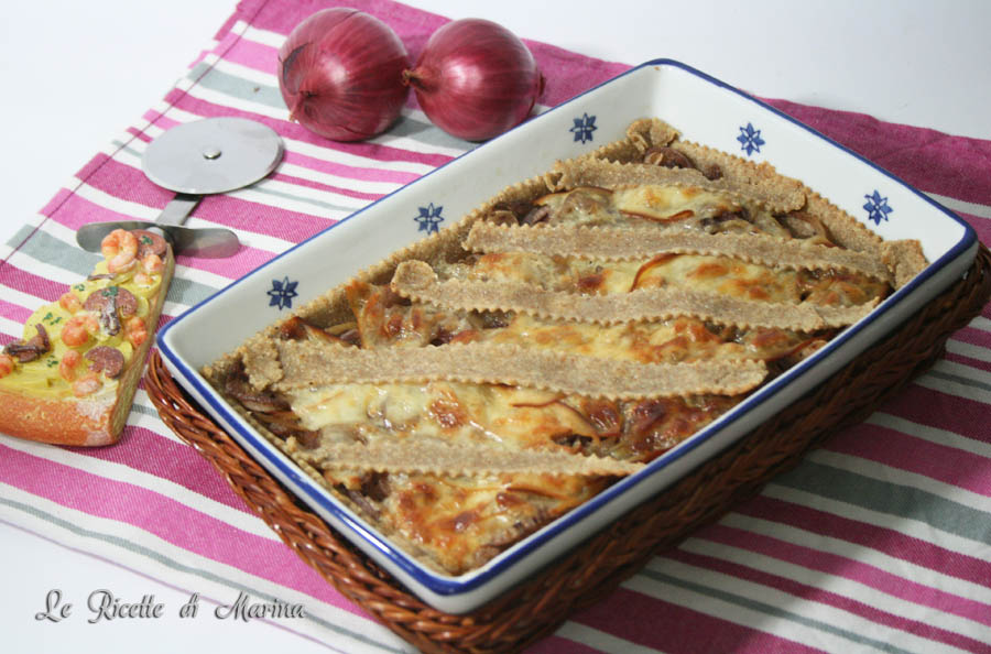 Crostata con cipolle di tropea e scamorza