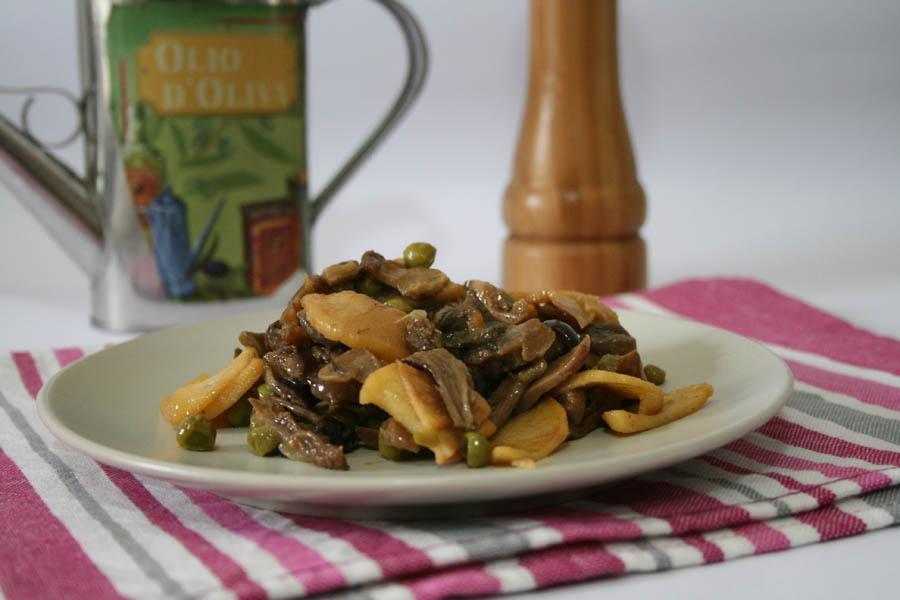 Funghi patate e piselli