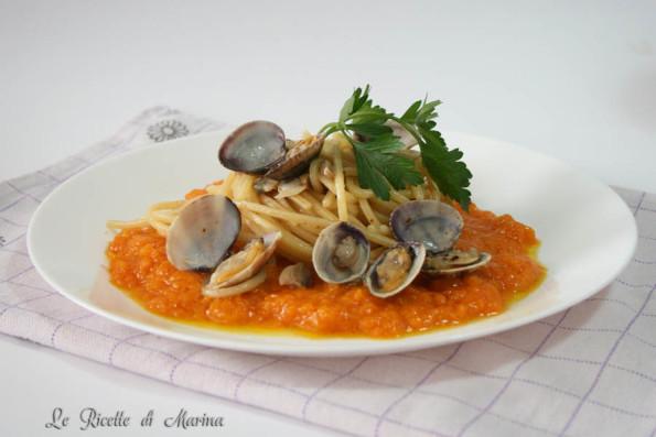 Spaghetti con frutti di mare e zucca