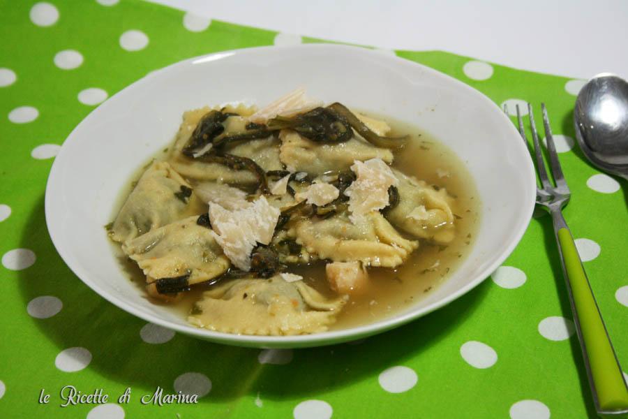 Ravioli ripieni di minestra maritata