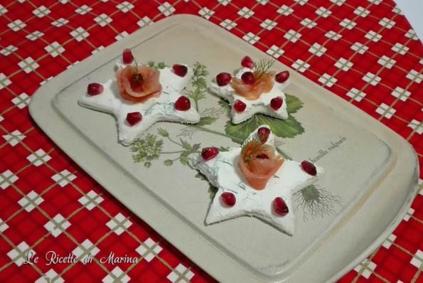Stelle al salmone, tartine al salmone