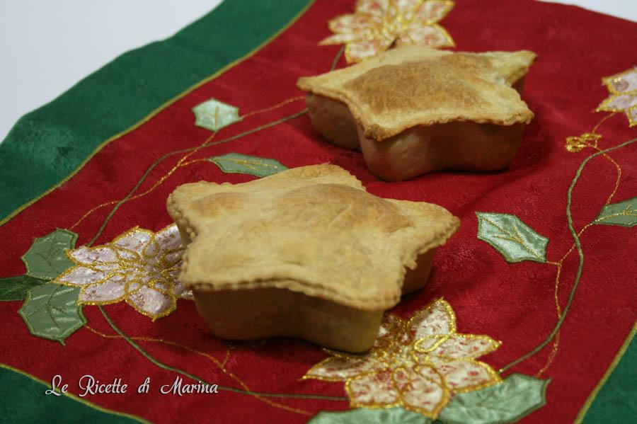 Stelle natalizie (pizza ripiena di scarole)