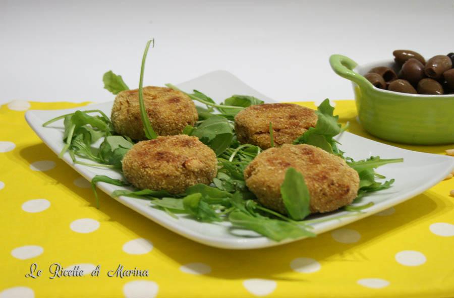 Polpette di cavolo con olive e pinoli