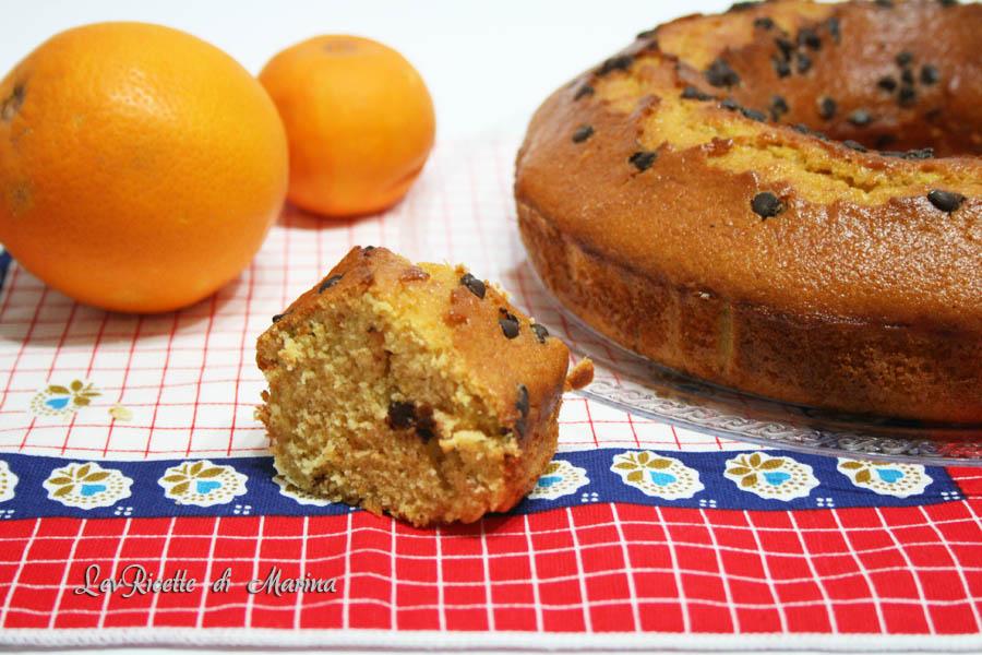 Ciambellone arance e gocce di cioccolato con farina integrale