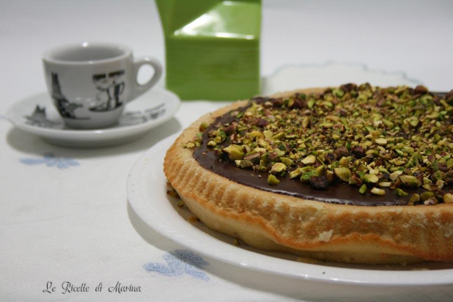 Crostata morbida con crema di pistacchio e cioccolato