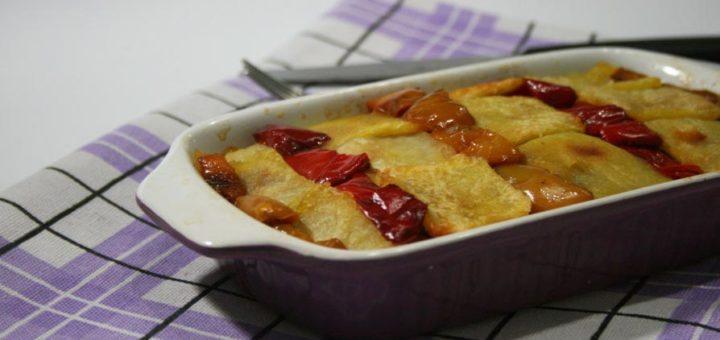 teglia di patate peperoni e scamorza
