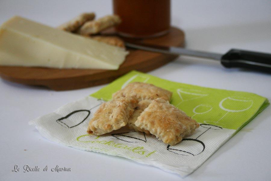 Biscotti salati con mandorle e nocciole
