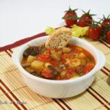 Zuppa di patate, peperoni e melanzane