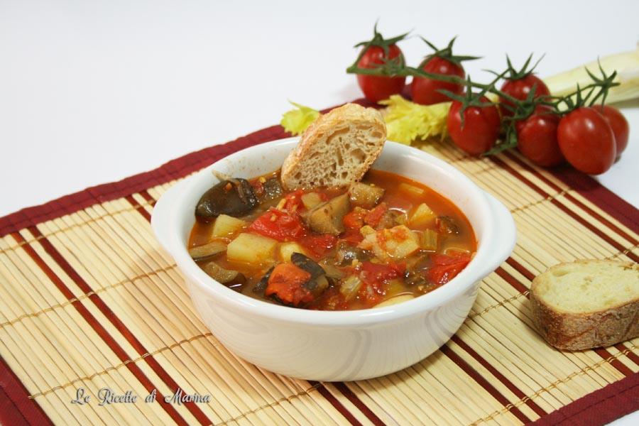 Zuppa di patate peperoni e melanzane
