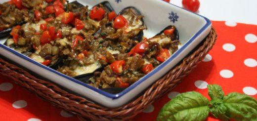 Melanzane ripiene con mozzarella e pomodori
