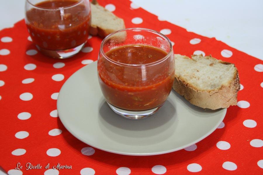 Zuppa di pesce e pomodoro