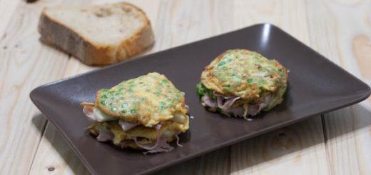 Millefoglie di frittatine con formaggio e prosciutto