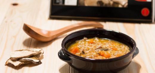 Zuppa di cereali con zucca e porcini