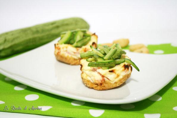 Cheesecake salata con salmone e zucchine