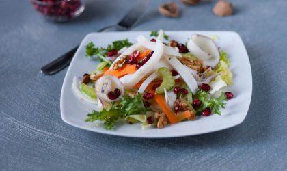 Insalata di seppie con julienne di carote e finocchi