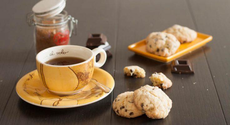Biscotti morbidi con gocce di cioccolato senza burro