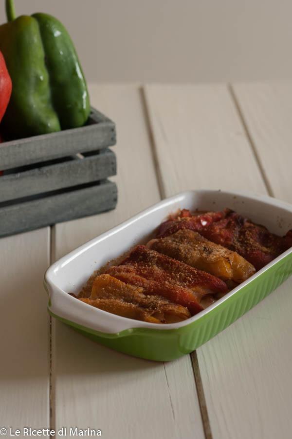 Involtini di peperoni con tacchino e formaggio