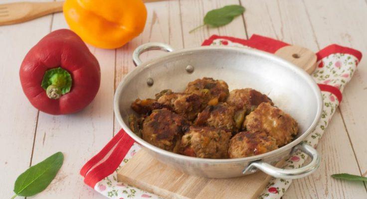 Polpette con i peperoni in padella